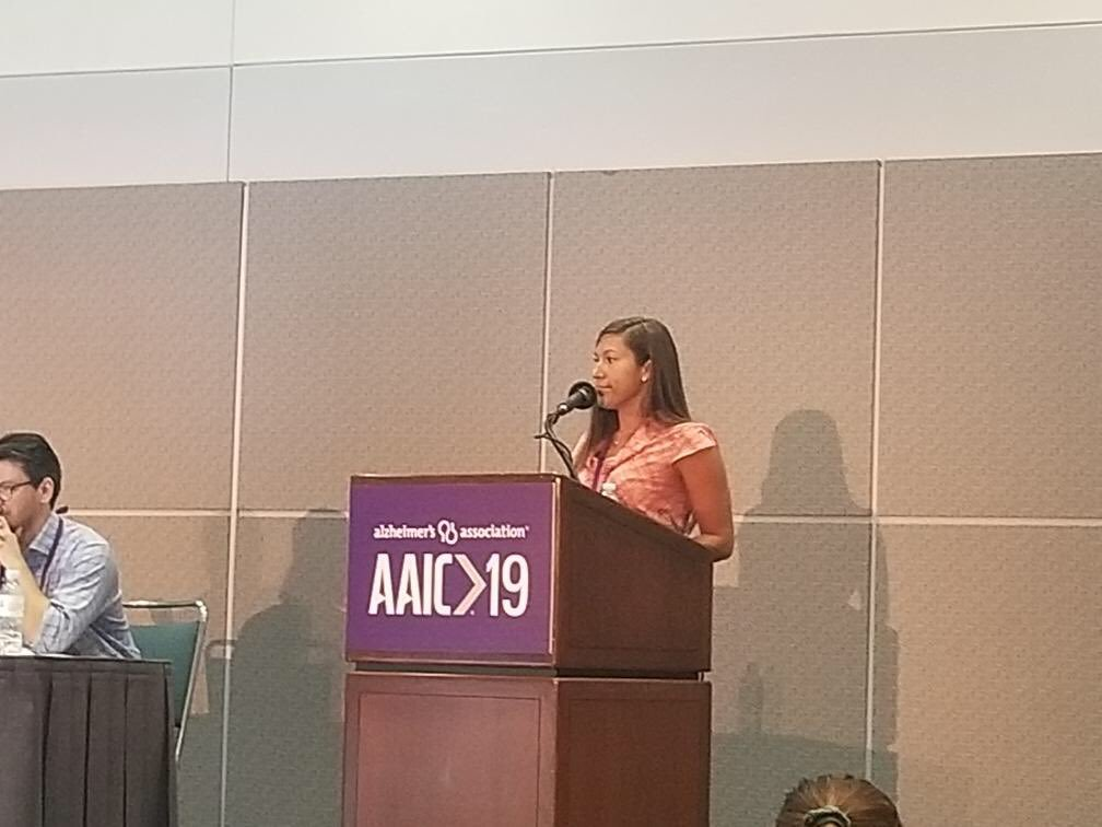 laura farnsworth presenting at aaic 2019